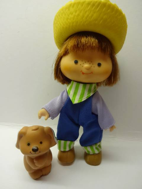Vintage-Strawberry-Shortcake-Doll-Huckleberry-Pie-pet