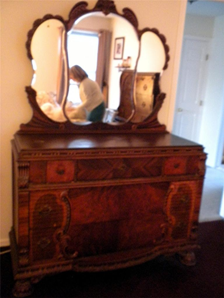 Antique early 1900 bedroom furniture end table dresser for Antique bedroom furniture