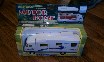NEW Diecast Class A Toy Motorhome RV Action Toy Camping Playset