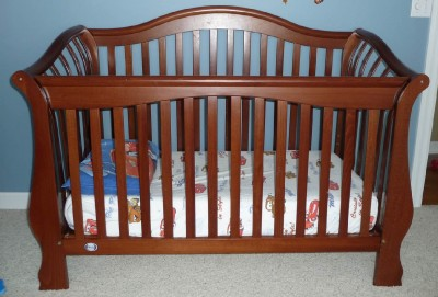 Universal Toddler  Rails on Pali Rosalia Convertible Crib   Free Dreamer Mattress On Ebid United