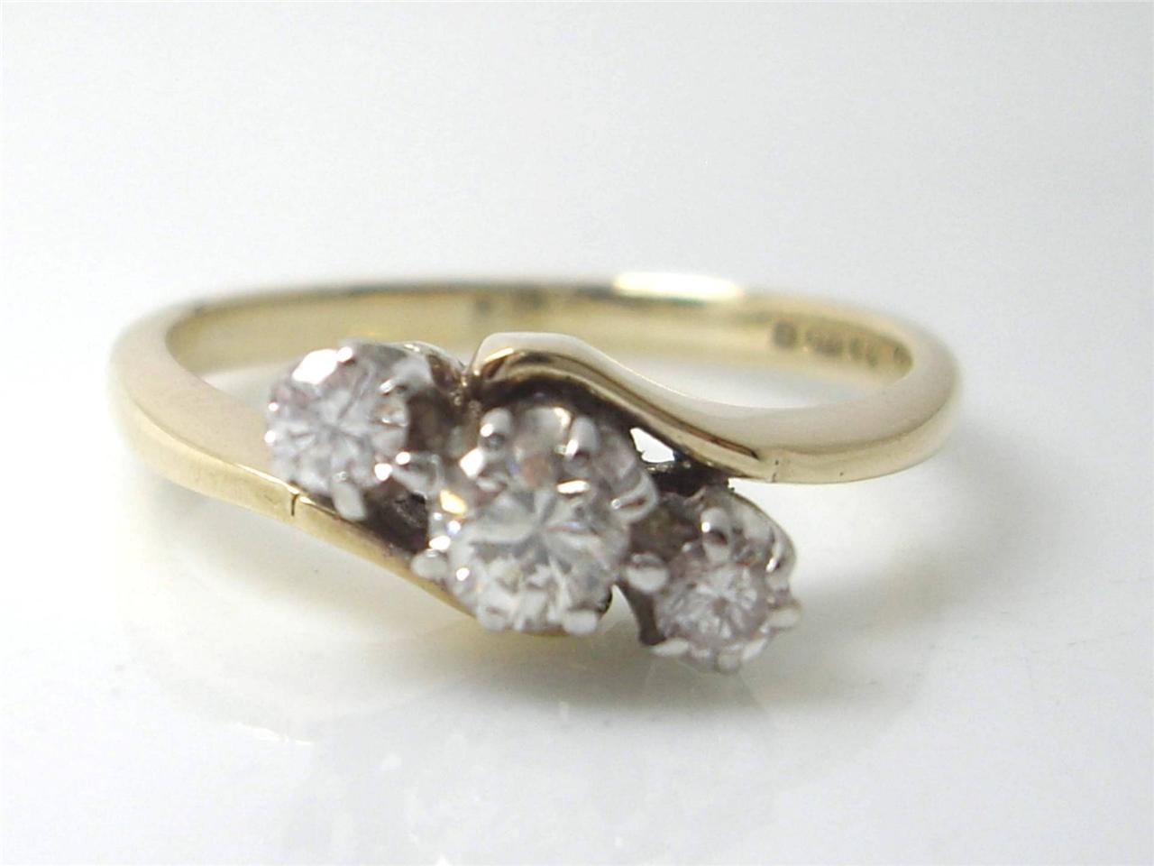VS 25CT DIAMONDS 9K YELLOW GOLD TRILOGY WEDDING ENGAGEMENT RING SALE XMAS GI