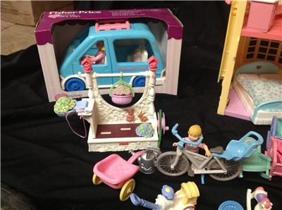 fisher price loving family dollhouse loaded with accessories ebay. Black Bedroom Furniture Sets. Home Design Ideas