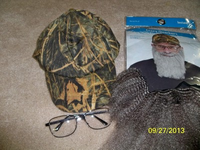 QUACKERS UNCLE SI DUCK HUNTERS CAMO HAT GREY BEARD & GLASSES COSTUME