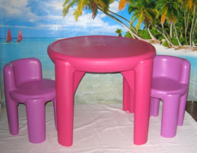 little tikes boys and girls childs table and chairs set purple pink 626975m ebay. Black Bedroom Furniture Sets. Home Design Ideas