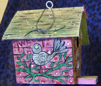 Decorative Green Red Metal Bird House W Gable Roof Yard