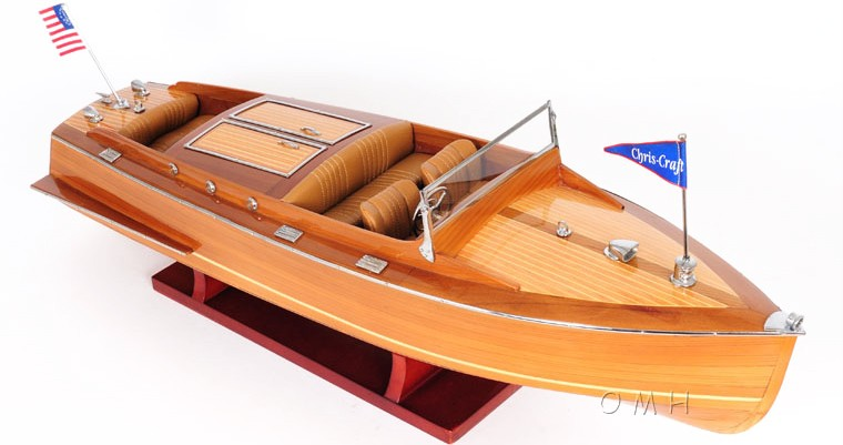 Chris Craft Classic Runabout Model 24.5""