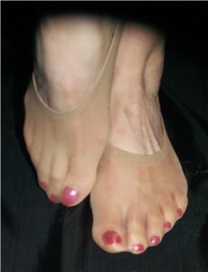 Womens Sheer Nylon Footies 19