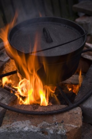 outdoor camping cast iron cookware