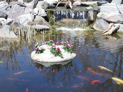 25 floating faux rock 5 pot planter water garden pond for Plastic floating pond plants