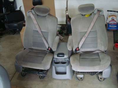 1999 2010 FORD F250 F350 FRONT SEATS GREY CLOTH W/ CENTER CONSOLE