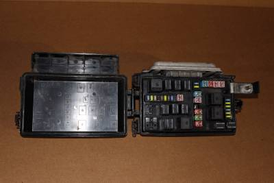 2006 Dodge Magnum Charger Chrysler 300C TIPM Fuse Box
