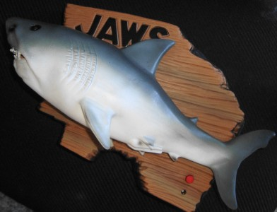 Sale jaws mack the knife singing fish wall plaque for Talking fish on wall