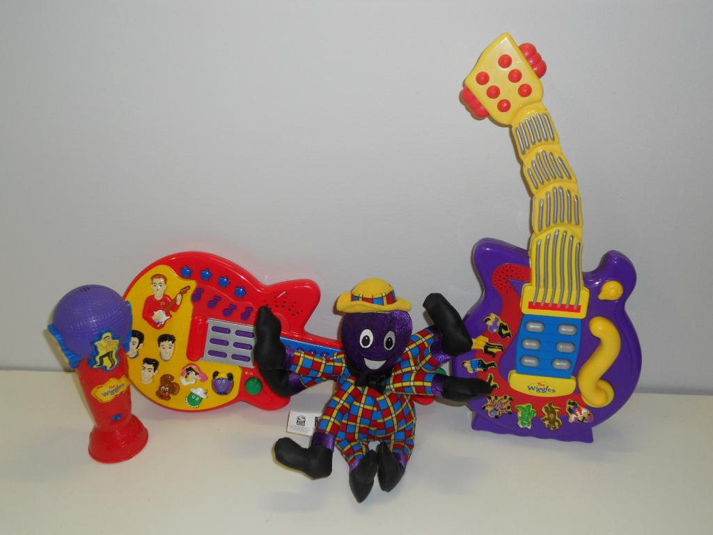 The Wiggles Toys R Us : Wiggles guitar related keywords long tail