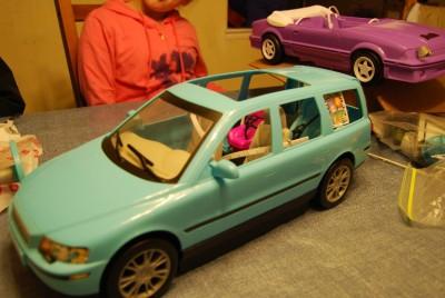 Barbie Happy Family Volvo Station Wagon
