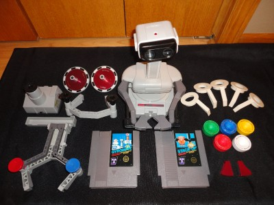 NINTENDO NES ROB THE ROBOT Complete Set with STACK UP AND GYROMITE