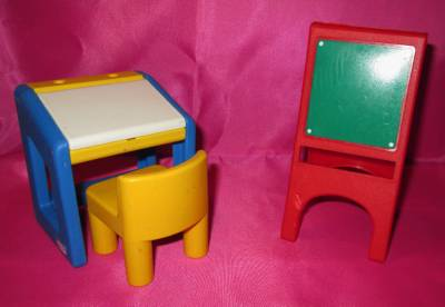little tikes dollhouse lot desk w chair and art easel. Black Bedroom Furniture Sets. Home Design Ideas
