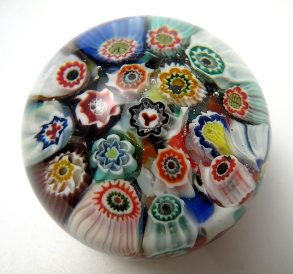 RARE-SALVADOR-YSART-MILLEFIORI-PAPERWEIGHT-WITH-Y-CANE-SCOTTISH-ART-GLASS-VSART