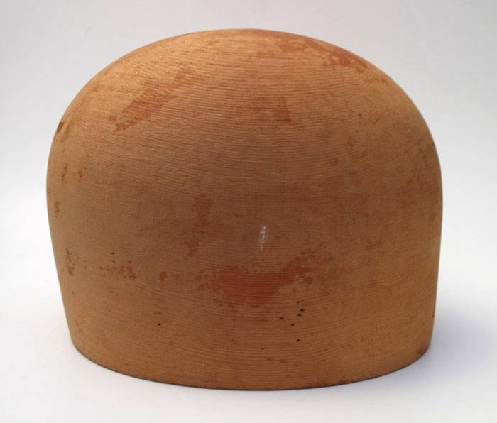 SUPERB-VINTAGE-GODFREY-MELBOURNE-WOODEN-MILLINERY-HAT-BLOCK-SIZE-21-5