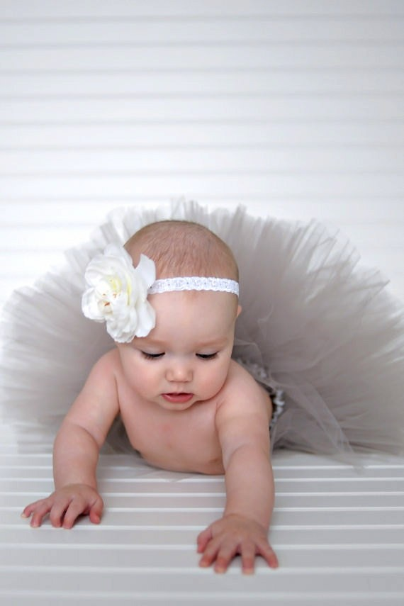 NEW-GIRLS-INFANTS-SPRING-BOUTIQUE-SILVER-TUTU-BABY-SHOWER-GIFT-PHOTO-PROPS