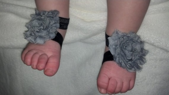 BOUTIQUE-CHIC-SHABBY-FLOWER-HEADBAND-MATCHING-FOOTLESS-SHOE-SANDALS-GIFT-PROP