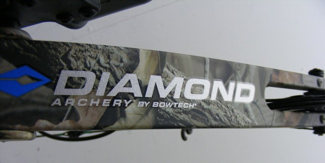 Diamond by Bowtech Razors Edge Compound Bow