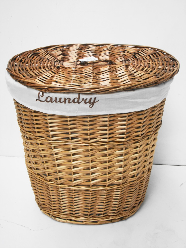 Brown or white oval wicker laundry basket with lid and removable cotton lining - Rattan laundry basket with lid ...