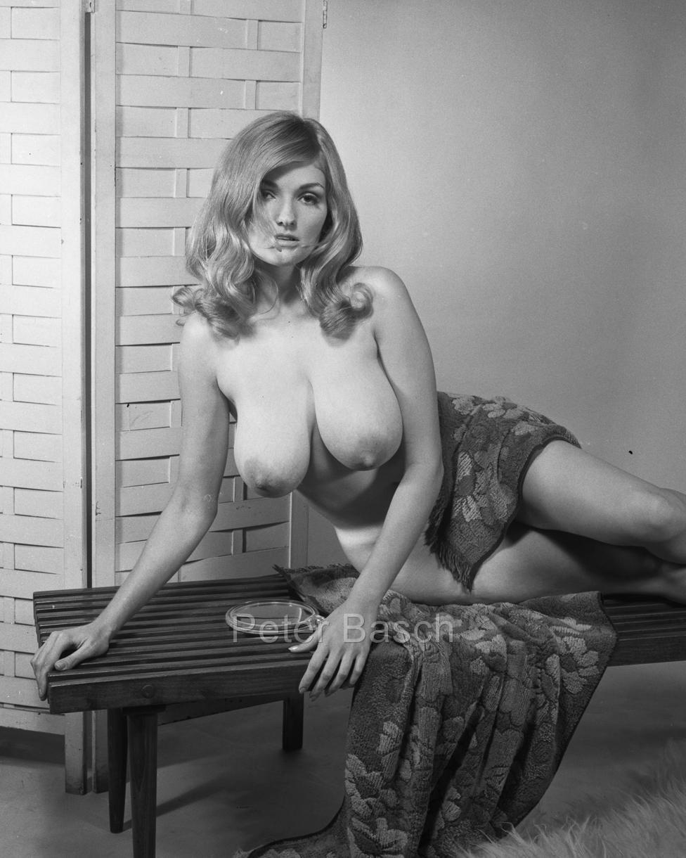 Voluptuous Erotic Nudes 4