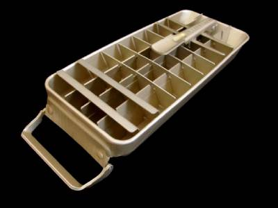 vintage frigidaire quickube metal ice cube tray lever 36 cubes gold aluminum ebay. Black Bedroom Furniture Sets. Home Design Ideas