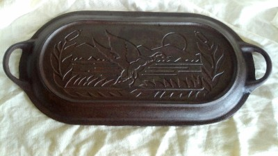 Big 10qt cast iron griswold wagner sportsman scenic duck for Cast iron fish fryer