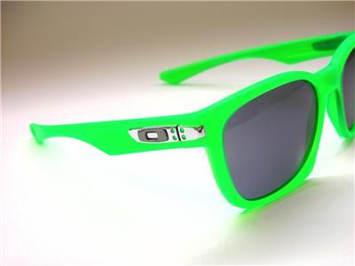clear oakley safety glasses  following:  oakley