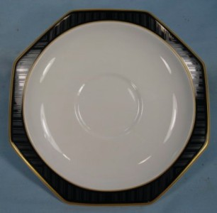 lovely black pearl saucer heinrich villeroy boch bone china black rim gold o ebay. Black Bedroom Furniture Sets. Home Design Ideas