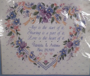 Pretty HEART WEDDING RECORD CROSS STITCH EMBROIDERY KIT