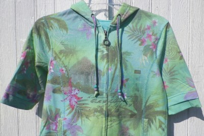 Pretty PINK PURPLE FLOWERS on AQUA & GREEN HOODIE Green Tea Sz S NWT Pink Studs