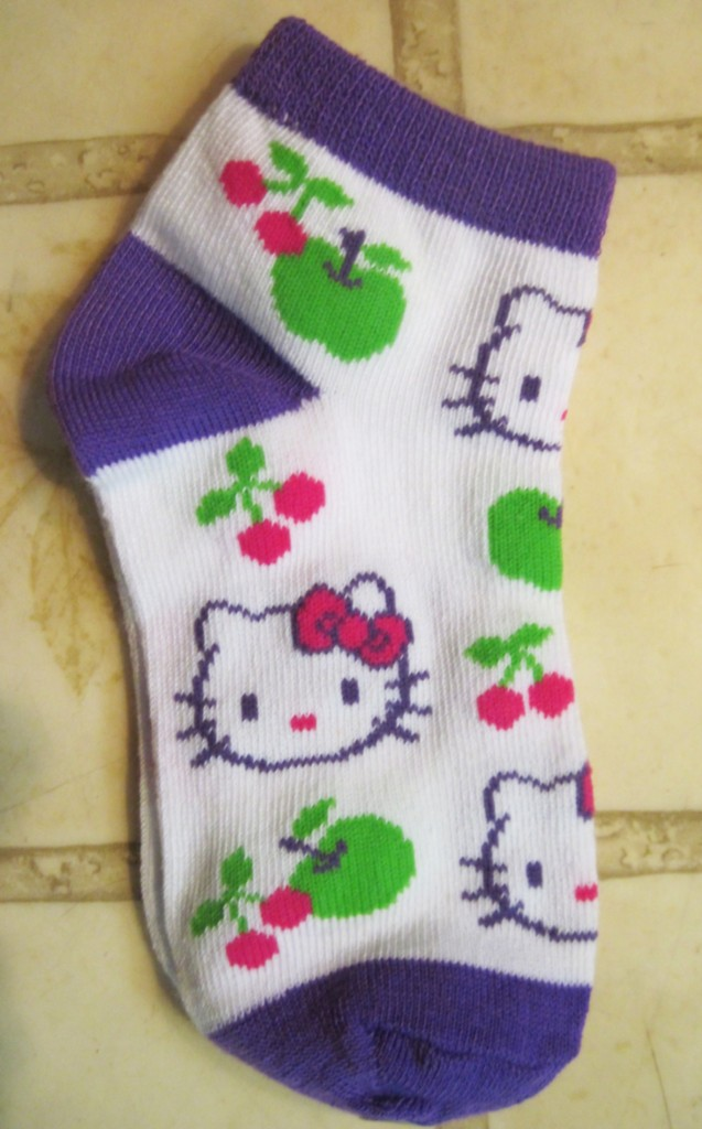 Hello Kitty Knitting Pattern Socks : Girls HELLO KITTY Socks ~ Pattern Size Choice ~ NEW eBay