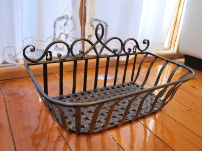 Wrought Iron French Style Wall Flower Pot Plant Holder