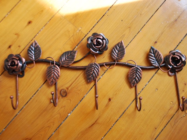 Handmade-Iron-Rose-Hat-Towel-Coat-Key-Hanger-Red-Copper