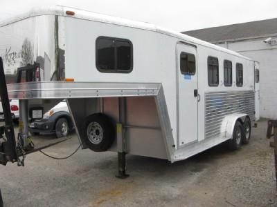 Kiefer Built Genesis x 3 Horse Trailer Aluminum Tach RM
