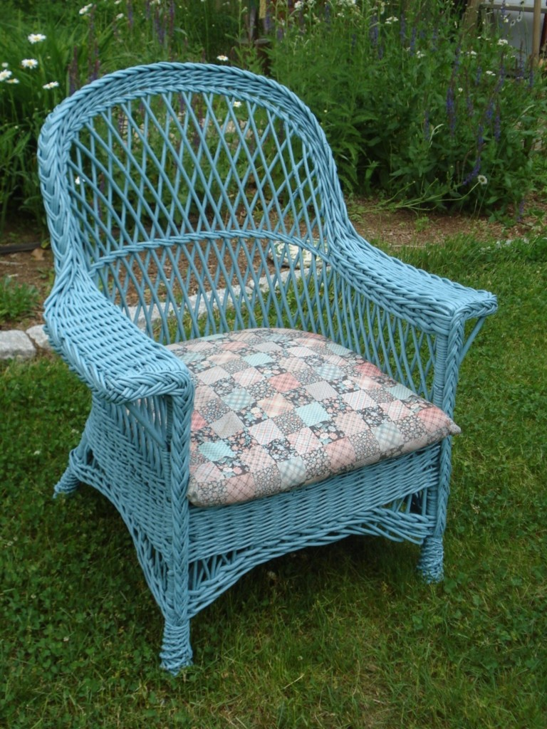 ANTIQUE WICKER CHAIR TURQUOISE WICKER CUSHION INCLUDED