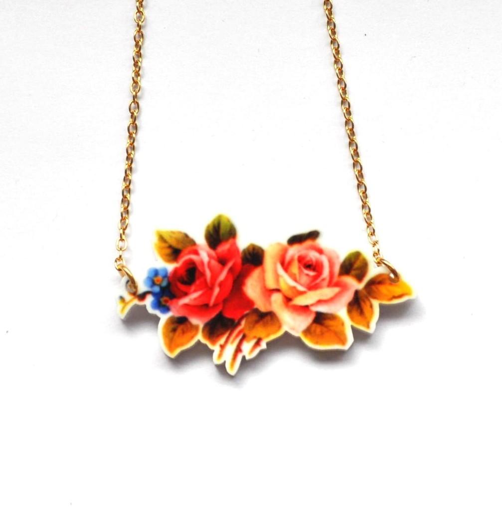retro roses flowers necklace pendant bnwt kitsch