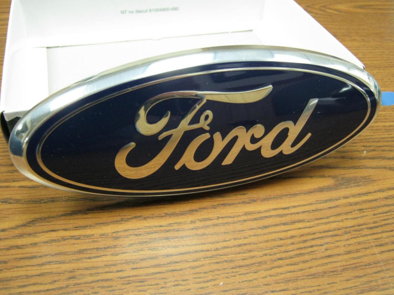 NEW 06,07,08,09,10,11,12 Ford Fusion Grill OEM Emblem!