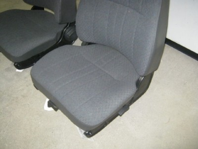 03 09 Chevy Kodiak GMC Topkick Gray Cloth Air Ride Bucket Seats C4500 C5500
