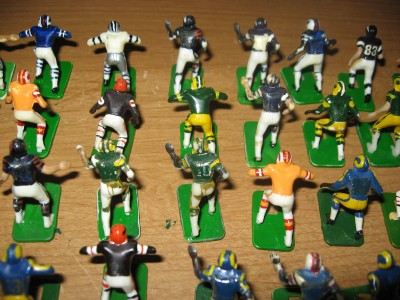 Electric Football Football Figures http://www.ebay.com/itm/Vintage-Tudor-Electric-Football-81-figure-Haiti-lot-Black-Shoe-and-White-Shoe-/200708708875
