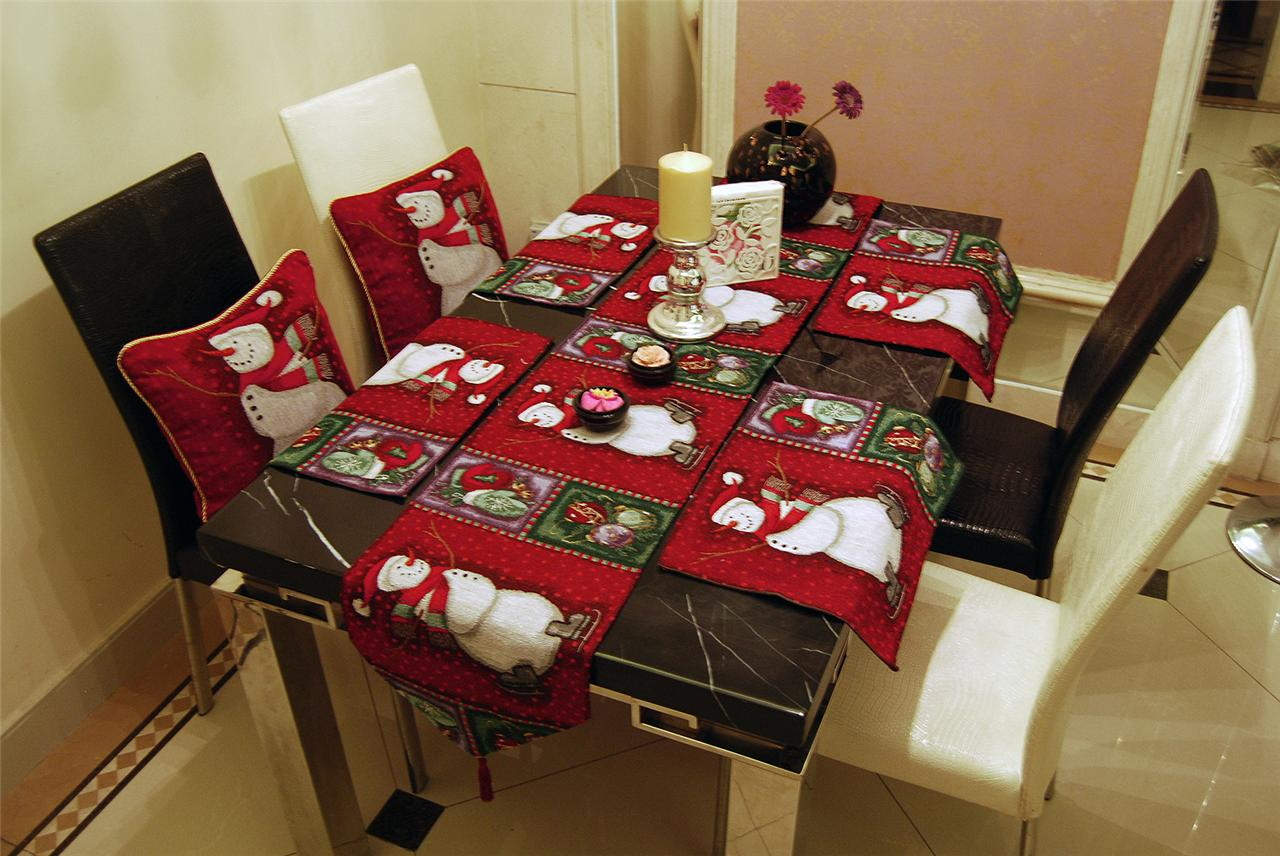 Captivating SET VINTAGE RED CHRISTMAS SNOWMAN TAPESTRY CUSHION COVERS