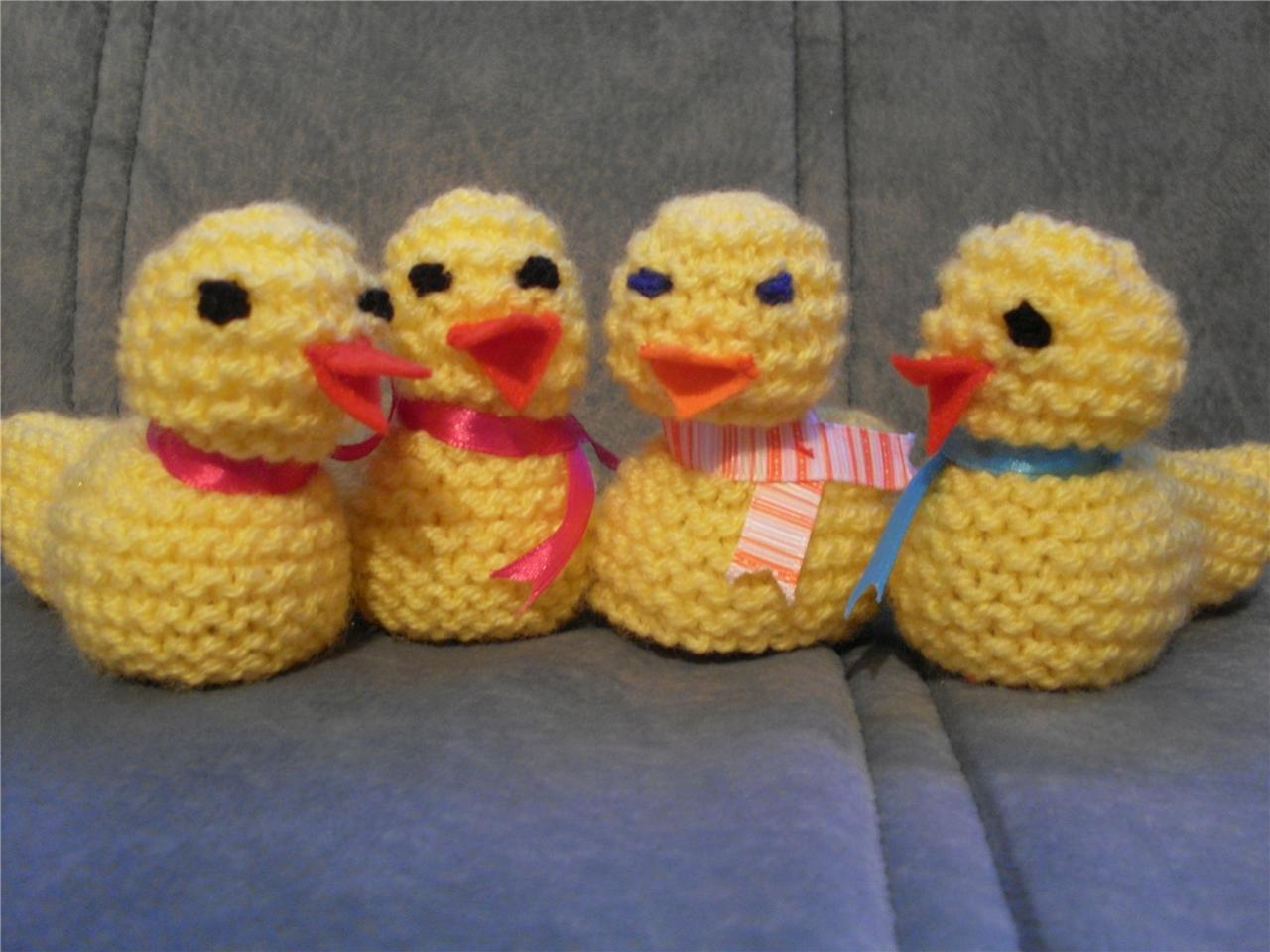 Pattern For Knit Infinity Scarf : EASTER CHICK KNITTING PATTERN