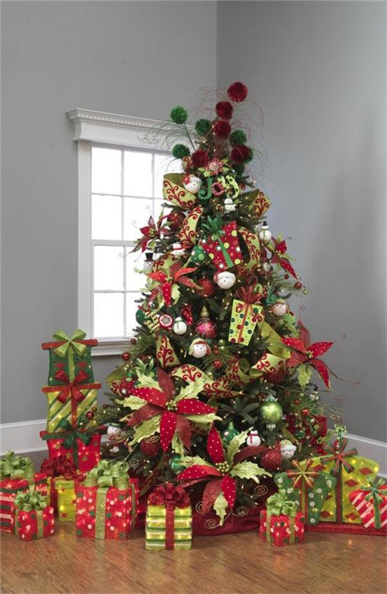 this one definitely goes big - Red And Green Christmas Decorations