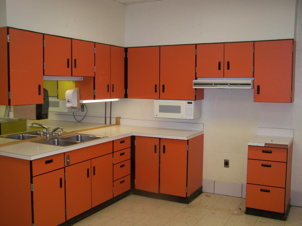 Http Ebay Com Itm Retro 1960s Early 1970s Kitchen Cabinets Complete Set Of 12 Orange 301854652821