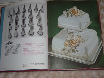 CAKE DECORATING BOOK WOMEN S WEEKLY. Ellen Sinclair ...