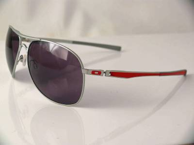 Oakley Plaintiff Ducati Series « Heritage Malta a78b82a7b9