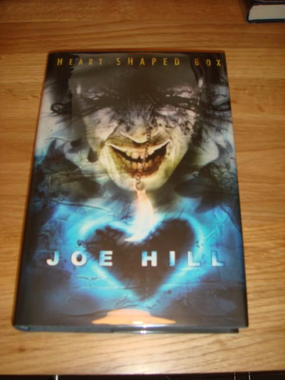 JOE-HILL-HEART-SHAPED-BOX-SUB-PRESS-SIGNED-LTD-1-300