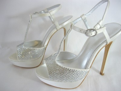Bourne SZ 4 37 Poppy Bridal Shoes Ivory Diamante Encrusted T BAR Peeptoe Satin